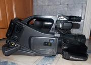 Продам видеокамеру panasonik AG-DVS 60 с 2мя аккумуляторами,  зарядкой