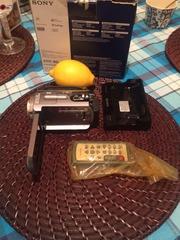 Продам видеокамеру сониDCR-SR82E